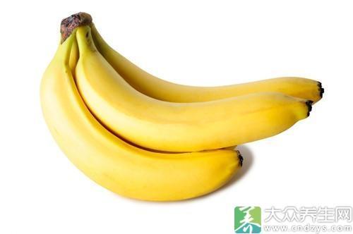香蕉中含有丰富的维生素B6,而维生素B6具有安定神经的作用,不仅可以稳定女性在经期的不安情绪,还有助于改善睡眠、减轻腹痛。