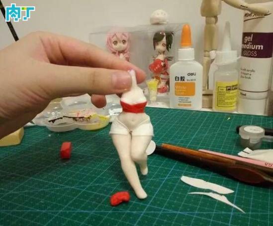 英雄联盟高达模型之九尾小阿狸玩偶制作教程