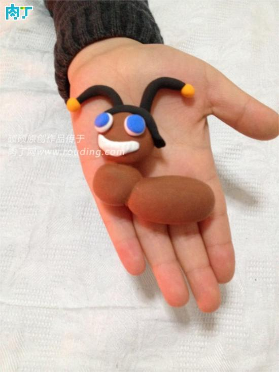 儿童趣味DIY轻粘土小制作之可爱的小蜘蛛图解