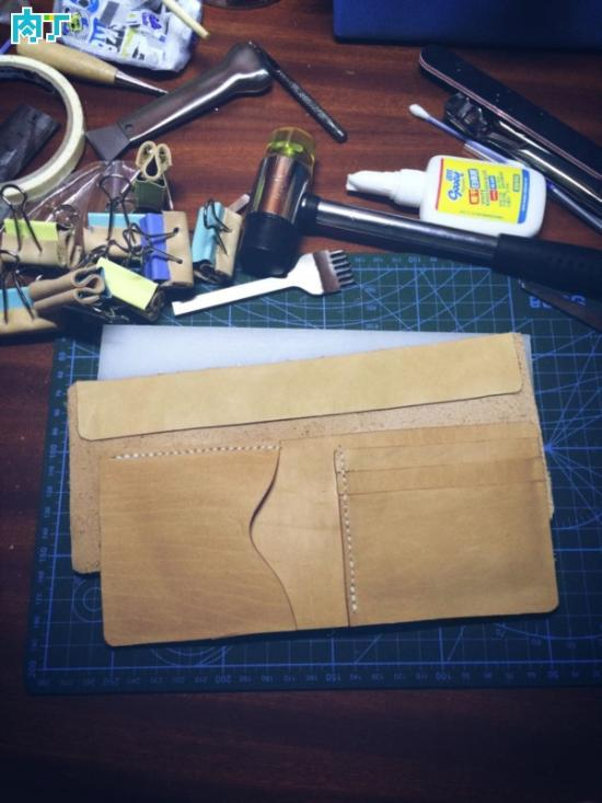 漂亮的皮革DIY钱包制作方法 最简单的短款钱夹