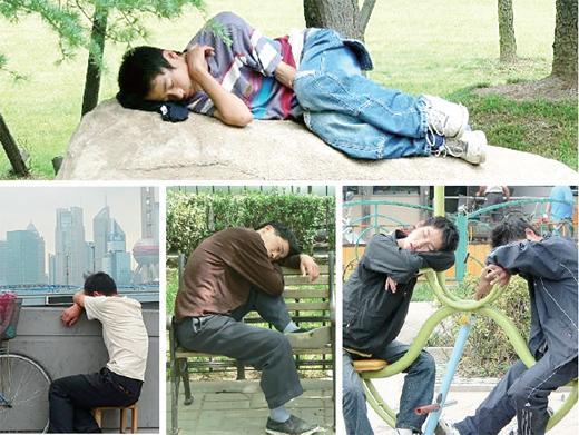 德国摄影师用镜头记录中国人各式各样的睡姿。