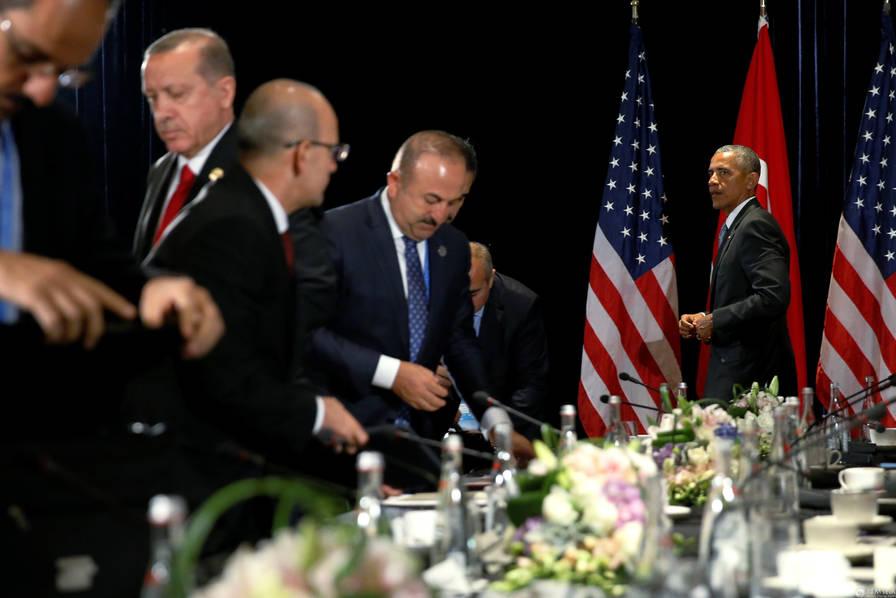 半岛电视台近日报道指出,土耳其军方日前才表示,3日在土尔其东南方与库尔德人的冲突中,土耳其军队至少歼灭了100名库尔德工人党战士,虽未具体提及有多少人被杀或受伤,但已创下近年双方冲突中最高的单日死伤记录。