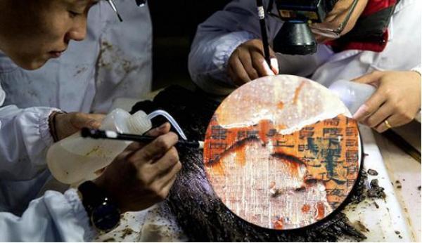 原文配图:南昌西汉海昏侯刘贺墓发掘现场。