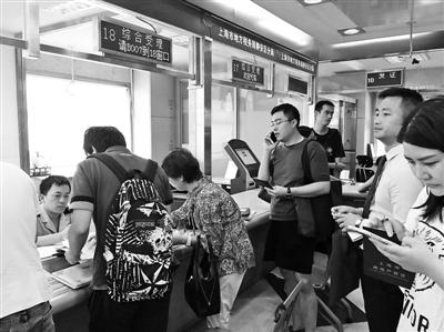 谣言曾引发上海离婚潮,楼市新房成交量连续7天破千套 供图/视觉中国