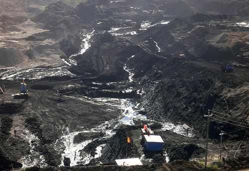 为了刺激本国经济,蒙古国将有望重启位于国家南部的世界大型煤矿塔本陶勒盖的招标。资料图