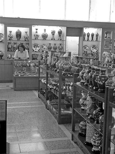 友谊商店已难现昔日辉煌,如今门可罗雀、生意清淡。