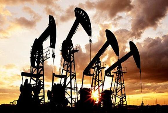 交易商表示,油价周一和上周五(9月9日)下跌,是因为美国钻井活动增加。这个迹象表明,油企可以在目前的油价水平盈利运营。