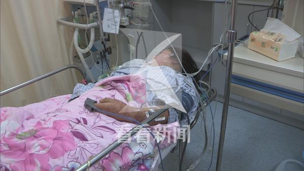 一位24岁女白领在浦东周浦遭逢掳掠掐颈,领前一度失联,家眷四处寻觅,终究有市民找到了生机勃勃的被害人。 本文图像均来自 看看美色诱惑