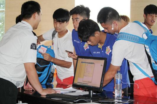 上海申鑫主场在哪里_上海申鑫足球俱乐部 今天正式入驻金山体育中心-搜狐体育