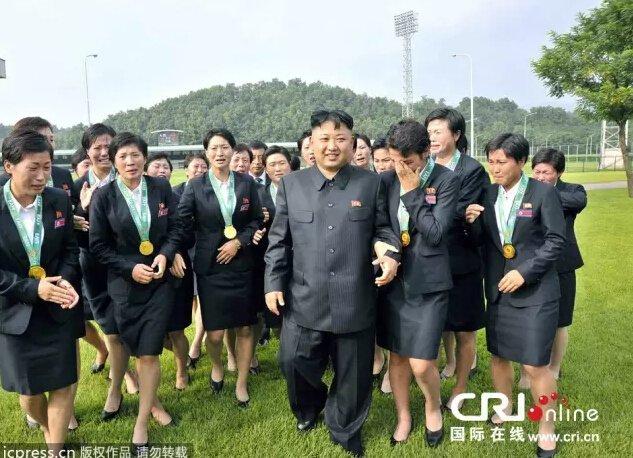 2013年8月1日,据朝鲜《劳动新闻》报道,朝鲜领导人金正恩接见朝鲜女子足球队。