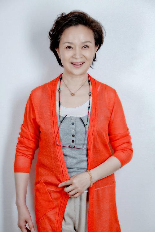 《太太万岁》刘莉莉饰演叶母