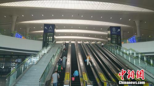 乌鲁木齐站进站口。中新网记者 李金磊 摄