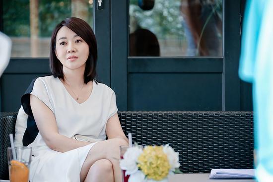 内地电视    搜狐娱乐讯 闫妮主演的电视剧《太太万岁》在安徽,天津
