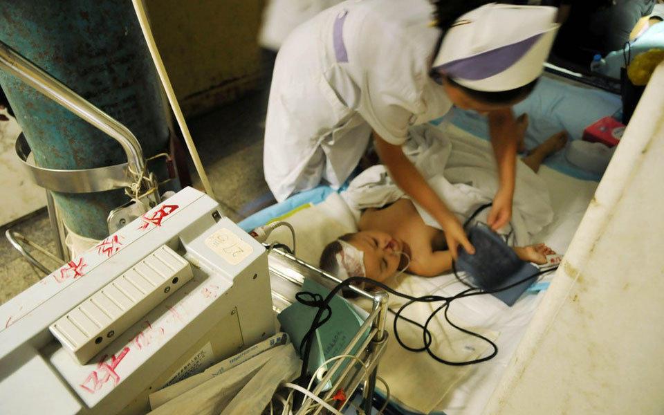 2009年9月19日下午,安徽芜湖三山峨桥附近,一辆货车与一辆幼儿园接送小型面包车相撞,车内20名幼儿受伤住院,其中3名幼儿伤势较重,另有2名住进重症监护室。