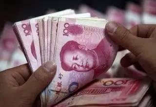 中国恰恰是从1992年进入到了高速度货币化,GDP陡然大幅度增长,西方舆论也突然就从中国崩溃论变成中国威胁论了。