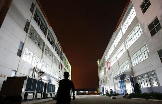 2010年8月2日,富士康郑州公司的厂区。图/新浪图像