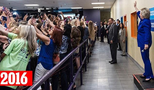 【举世网归纳报导】据英国《逐日邮报》9月26日报导,克日,美百姓主党总统提名人希拉里・克林顿(Hillary Clinton)在加入竞选流动时使出满身本领,约请撑持者们和她一同自拍。自相片被上传到网上当前,转载量达2万余次。