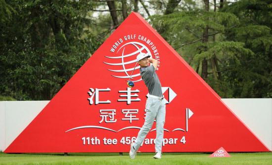 中国选手李昊桐在世锦赛-汇丰冠军赛现场挥杆