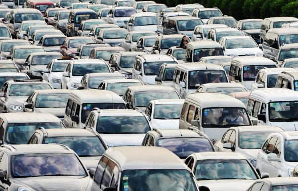 公路方面的客运压力将明显增大。 东方IC 资料