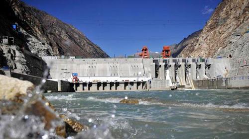 雅鲁藏布江干流上的藏木水电站