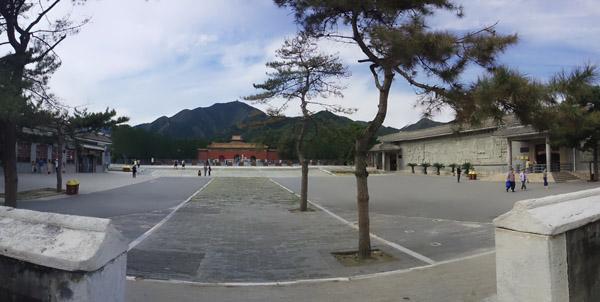 9月27日,定陵景区游客稀少。