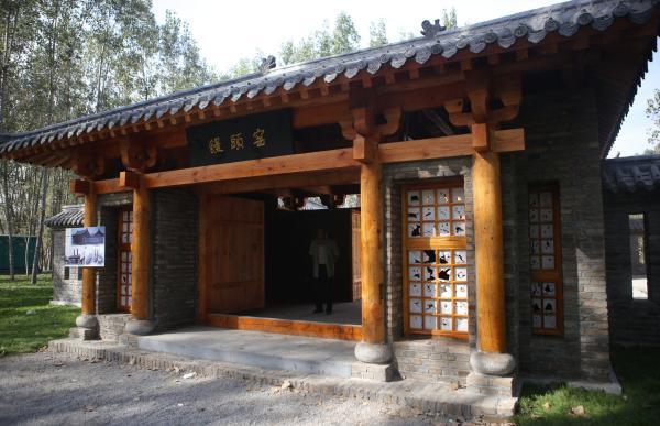 2016年10月5日,山东省滨州市新落成的西纸坊景区里的馒头窑景点。 东方IC 图