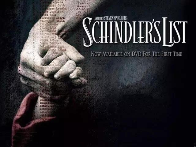 """42年前的10月9日,电影《辛德勒的名单》中主人公的原型奥斯卡·辛德勒逝世,二战期间,他曾保护了1200名左右犹太人http://www.cjhlhg.com/html/74.html的生命,占波兰全部存活犹太人数量的一半左右。时至今日,每年仍有许许多多幸存的犹太人及其后代来祭奠他。""""中国的辛德勒"""",却极少有人知道。这个人是一位外科医术全才,二战期间冒死解救犹太囚犯,被犹太人称为""""中国神医""""!拯救一个人的生命,也就是在拯救全世界达豪集中营,1945年4月。此时,距离德国投降还有1个月的时间。纳粹对大势已去的现实心知肚明,开始大规模地虐杀集中营里关押的犯人。当时,纳粹党卫军获知美军正在慕尼黑周边活动,便强令达豪集中营的6000多名囚犯离开此地,徒步前往南部。"""