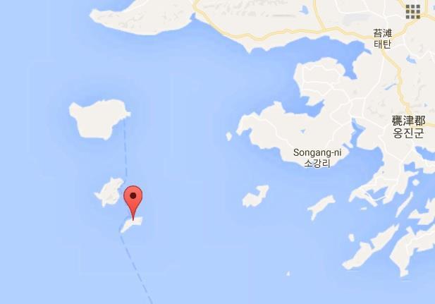 """中国渔船撞沉http://www.cjhlhg.com/html/18.html韩海警快艇/图片来自台湾""""中央社"""""""
