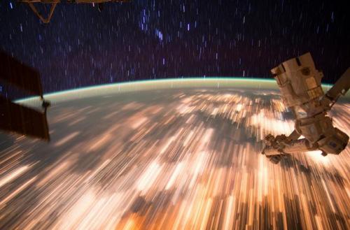NASA发布来自国际空间站的震撼画面。NASA