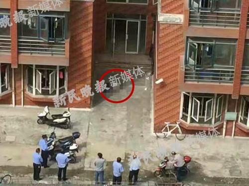 上海理工大学兵工路校区二公寓三号楼,发作一同坠楼事情。