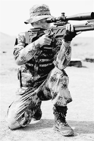 中国特种兵百米射断电线 国际狙击手竞赛夺冠