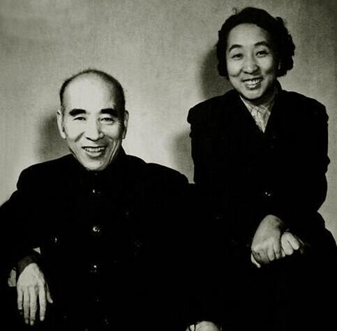 林彪与妻子叶群(资料图)