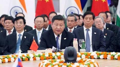 10月16日,金砖国家领导人第八次会晤在印度果阿举行。中国国家主席习近平、印度总理莫迪、南非总统祖马、巴西总统特梅尔、俄罗斯总统普京出席。习近平发表题为《坚定信心共谋发展》的重要讲话。(新华社记者 姚大伟 摄)