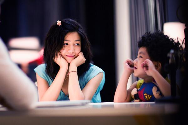 陈妍希�9g�[�xZ_陈妍希《外公芳龄38》不设限首演喜剧变土妞