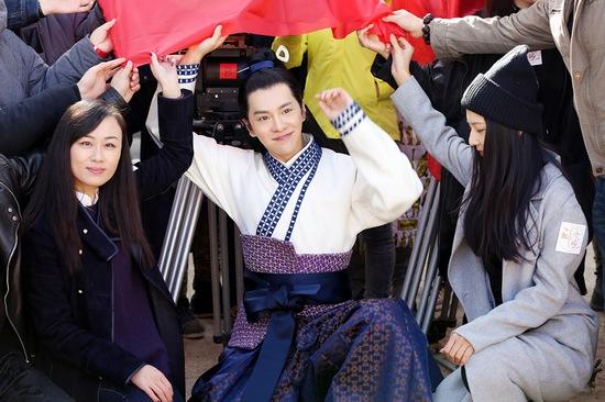 该剧由陈伟霆,刘诗诗,徐海乔,韩雪等主演,徐海乔在剧中饰演温文尔雅的