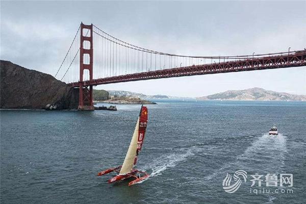 郭川飞行从旧金山动身。