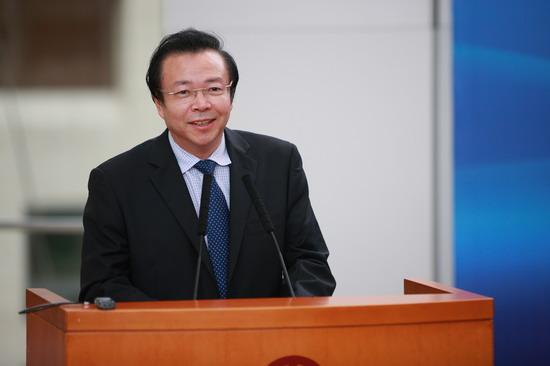 中国华融管理股份有限公司董事长赖小民