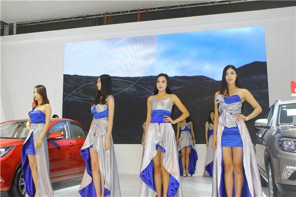 2016太原TOP国际车展美女车模 高清大图