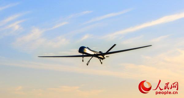 """""""彩虹-5""""中空长航时yabo88wap下载亚博体育试飞。"""