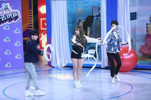 宇宙少女中国综艺首秀 舞力全开人气爆棚