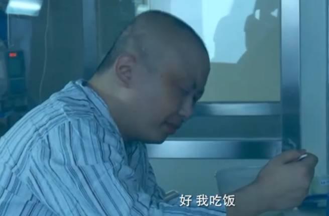 可是三个月后依然没有合适的配型,这样唯一的希望就落在了只有8岁的曹胤鹏身上了。对于救爸爸,曹胤鹏没有丝毫犹豫。