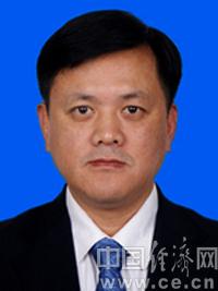 刘奇凡,男,1967年4月出生,贵州水城人,汉族,1994年9月加入中国共产党,1988年8月参加工作,研究生学历,管理学硕士。