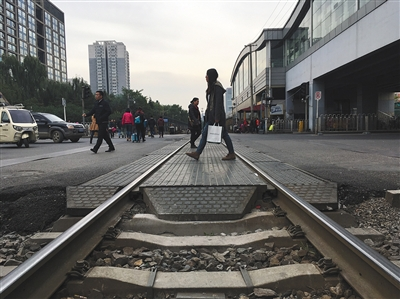 因营建京张高铁,五道口的铁轨也将被撤除。本版拍照/新京报记者 浦峰