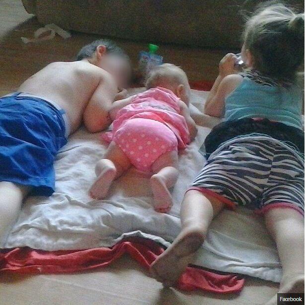 【环球网报道 记者 余鹏飞】据英国《镜报》11月2日报道,美国一对年轻父母因给自己的三个孩子注射海洛因被捕。