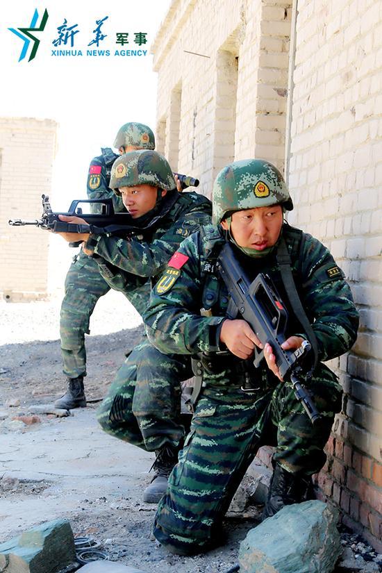 新疆煤矿暴恐案歼敌细节:子弹飞过战士头顶