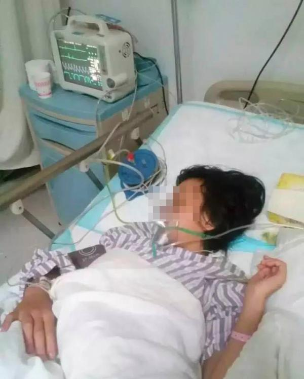 女孩是巧家县第四中学13岁初一女生杨敏(化名)。