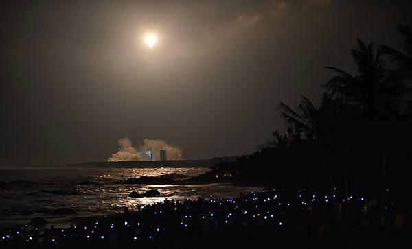 11月3日20时43分,我国首枚大型运载火箭