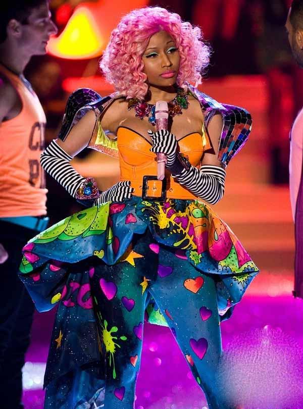 2011表演嘉宾:Nicki-Minaj