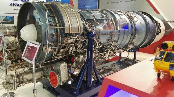 资料图:珠海航展俄罗斯联合航发集团展出的AL-31FN涡扇发动机。