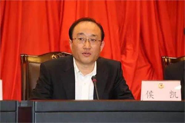 ――侯凯,在2013年10月任审计署副审计长时曾担任过第二轮第九巡视组组长,2013年11月起任上海市委常委、纪委书记。